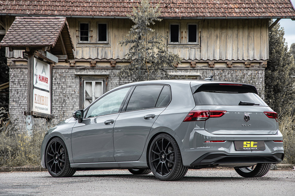 The ST coil springs aka ST height adjustable springs are an alternative if the focus is on a purely optical lowering in the VW Golf Mk8 (CD).