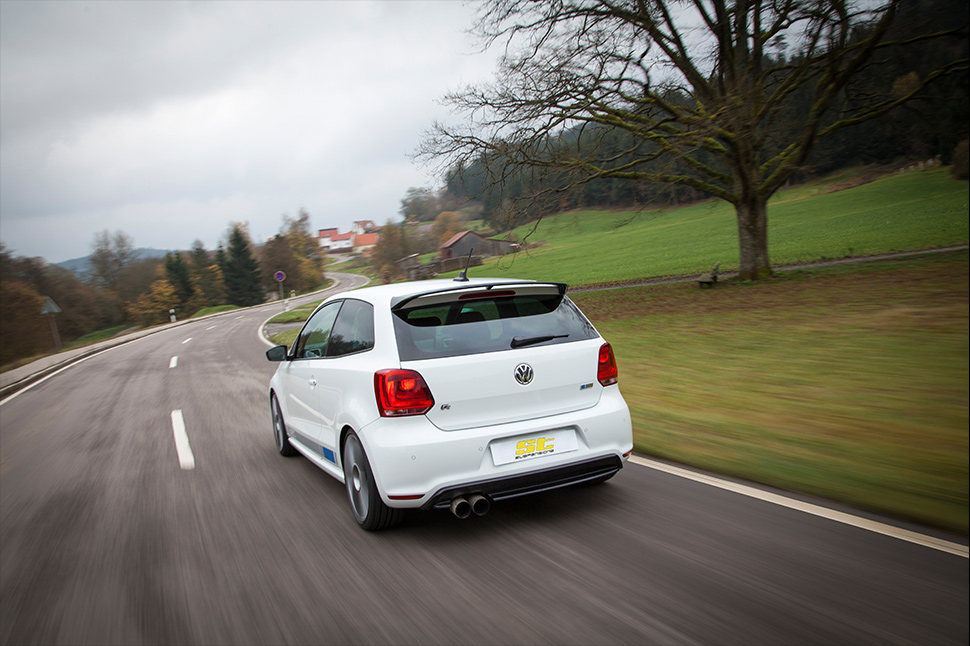 With the ST suspensions coilover suspensions, the suspension manufacturer KW automotive makes a compromise in the spring rates and damper tuning to maintain the driving comfort.